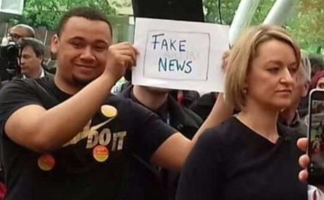 lk fake news lab manif.png
